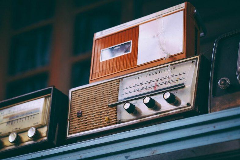 speaker-old-radio